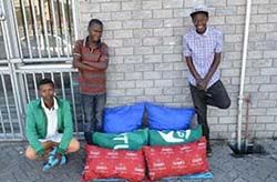 Young entrepreneurs from Izwe'elitsha Pillows.
